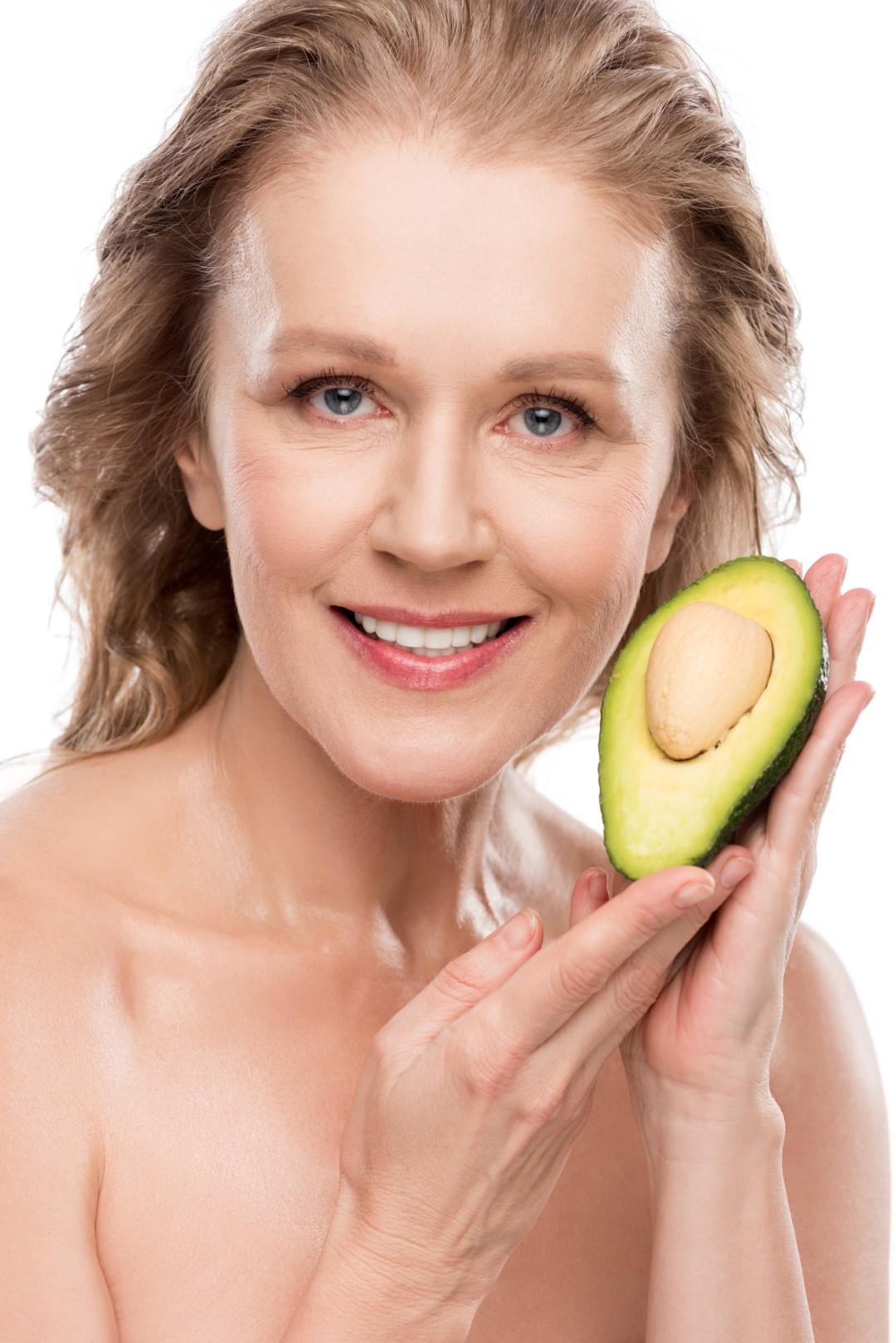 Mască facială cu avocado