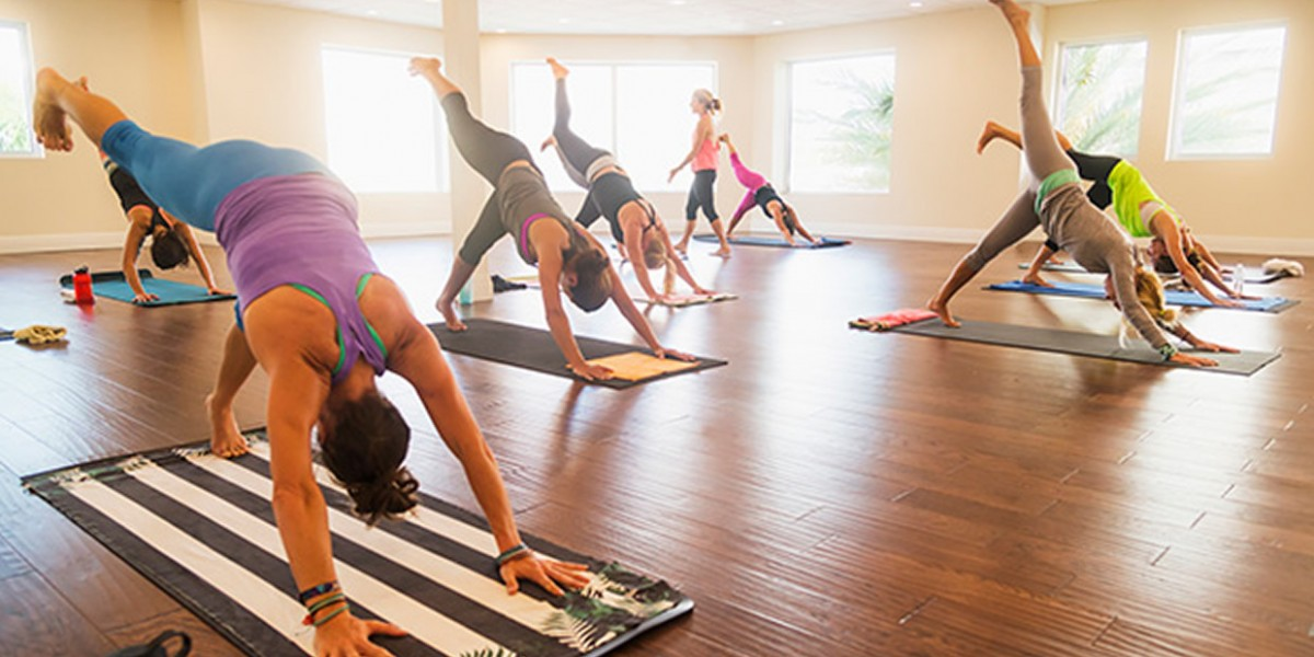 The Beginner's Guide to Every Type of Yoga Out There