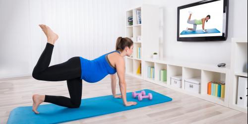 Antrenamentul pe timpul sarcinii, în confortul propriului cămin